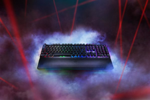 "Tastatura Razer Huntsman Elite, cu fir, US layout, neagra, Chroma backlighting with 16.8 million customizable color options, Razer Opto- Mechanical Switch with 45 G actuation force ""RZ03-01870100-R3M1"""